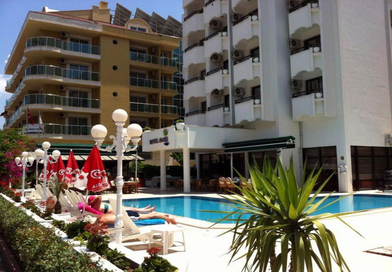 Oasis Hotel & Apartments