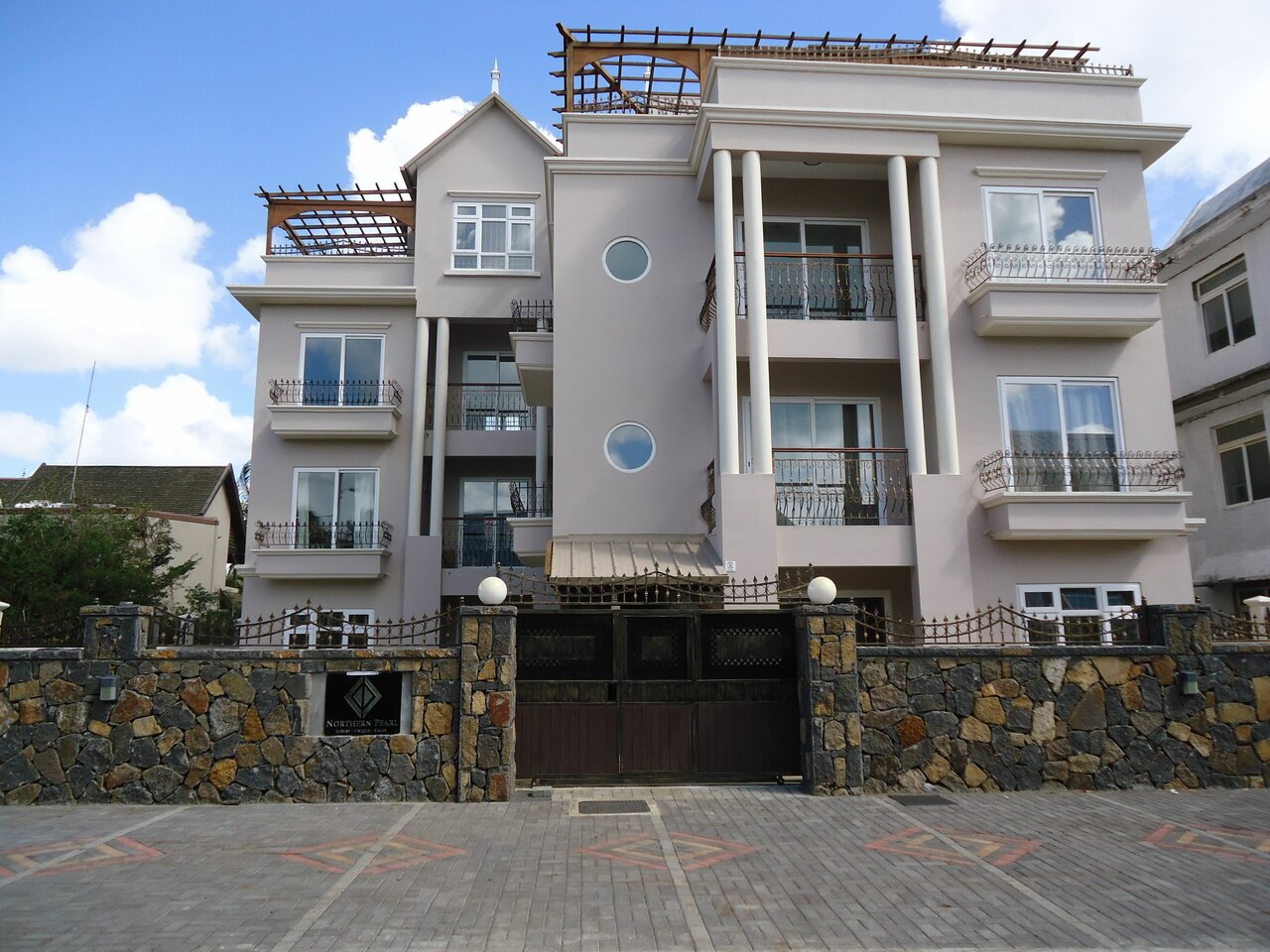 Northern Pearl Luxury Hotel Apartments