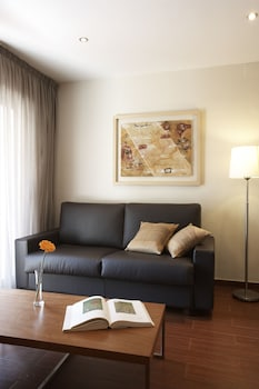 Apartamentos Turisticos Madanis