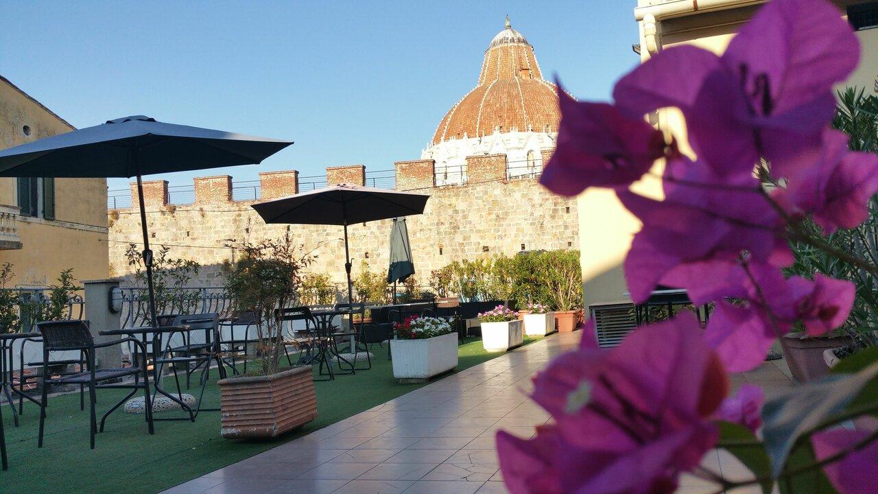 Giardino Tower Inn