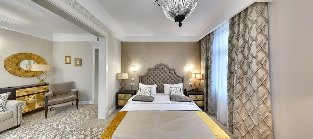 Hotel Versay