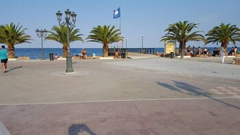 Studio In Paralia,  With Wonderful Sea View,  Furnished Balcony And Wifi - 500 M From The Beach