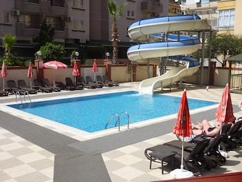 Riviera Apart
