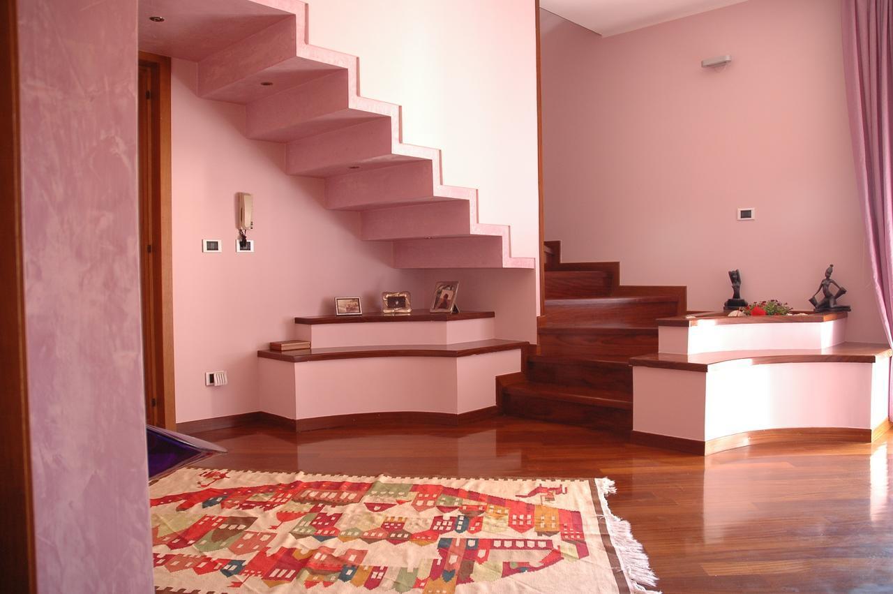 Liana Guest House