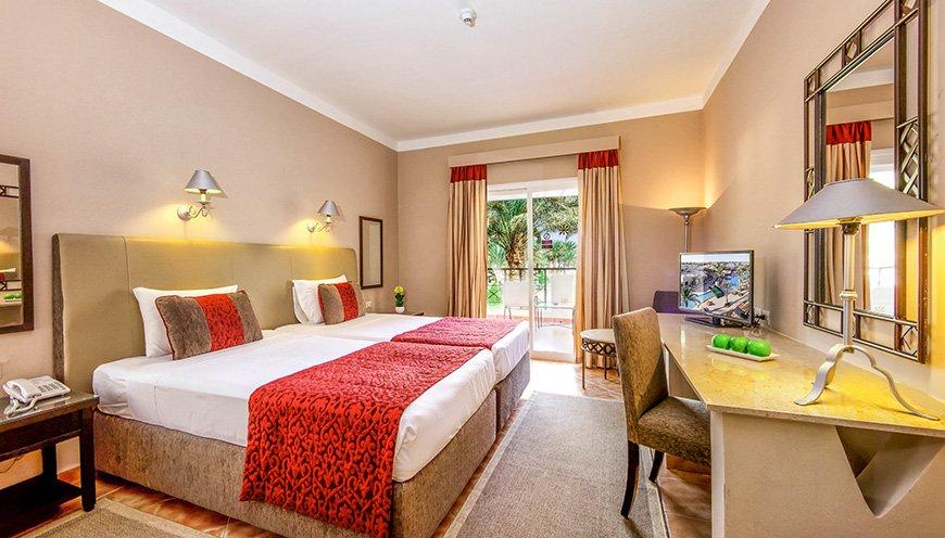 Jaz Makadina Resort