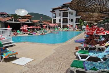 Club Ekinci Palace