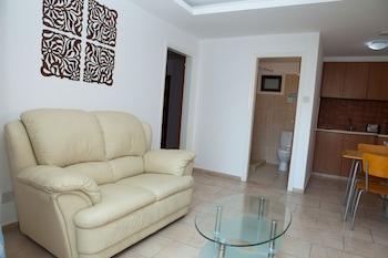 Alecos Hotel Apartments