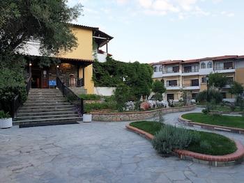Ioli Village