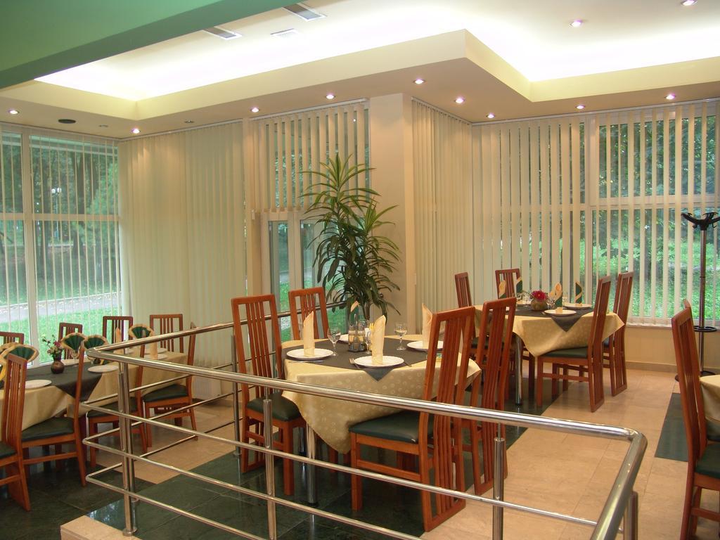 Hotel Bradul - Sejur standard - mic dejun