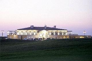 Lighthouse Golf & Spa Apartments