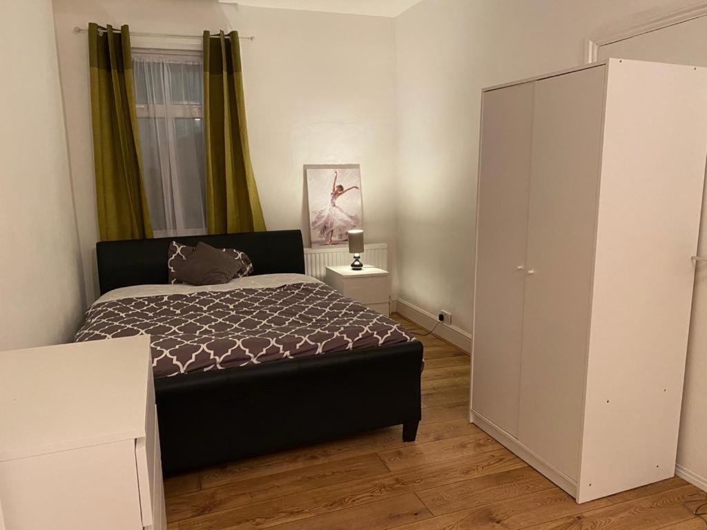 Spacious Room Near O2 Greenwich And Central London