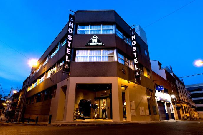Far Home Bernabeu Hostel
