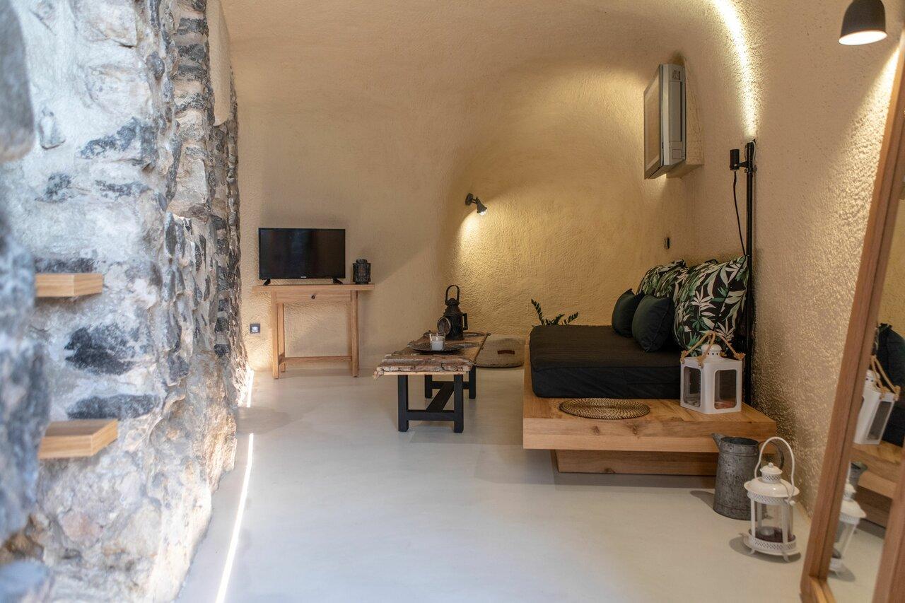 Nalas Cave Suite