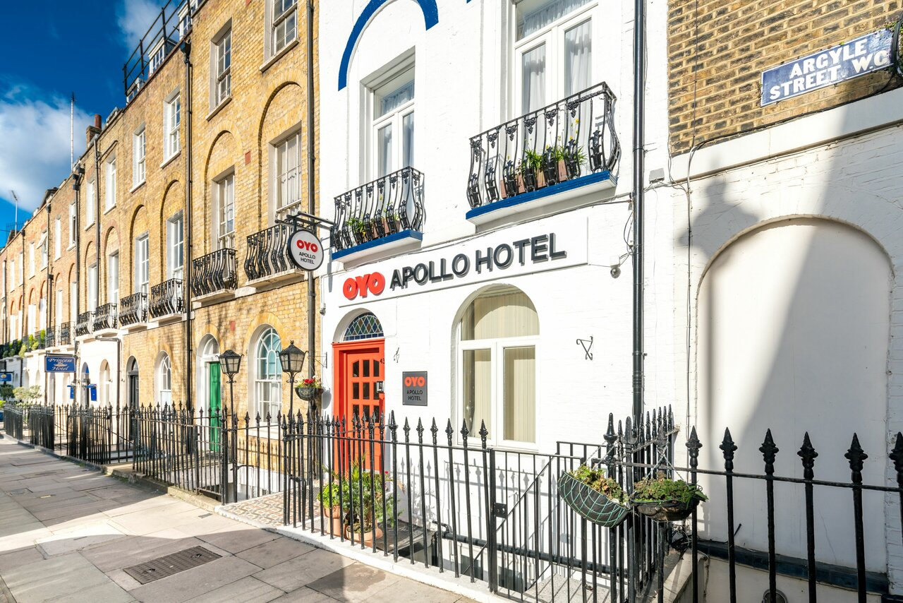 Oyo Apollo Hotel