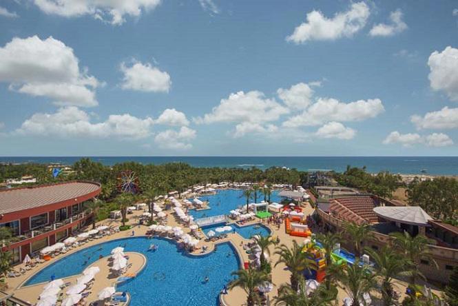 Delphin Palace Resort