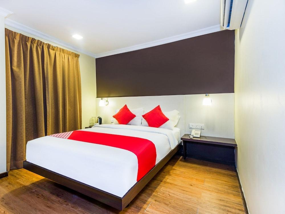 Hotel De'grand Orchard By Oyo Rooms