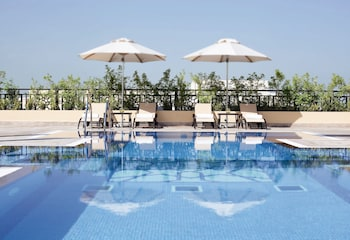 Moevenpick Hotel Apartments Al Mamzar