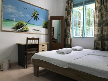 Raalhu Lodge