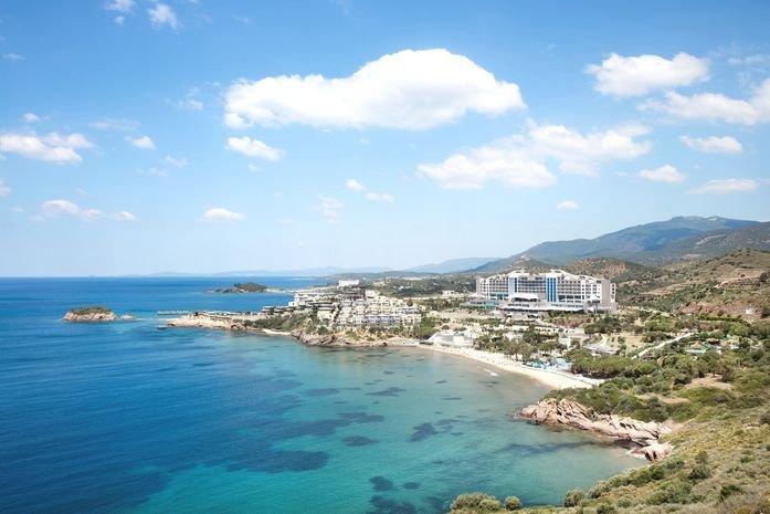 Aria Claros Beach and Resort