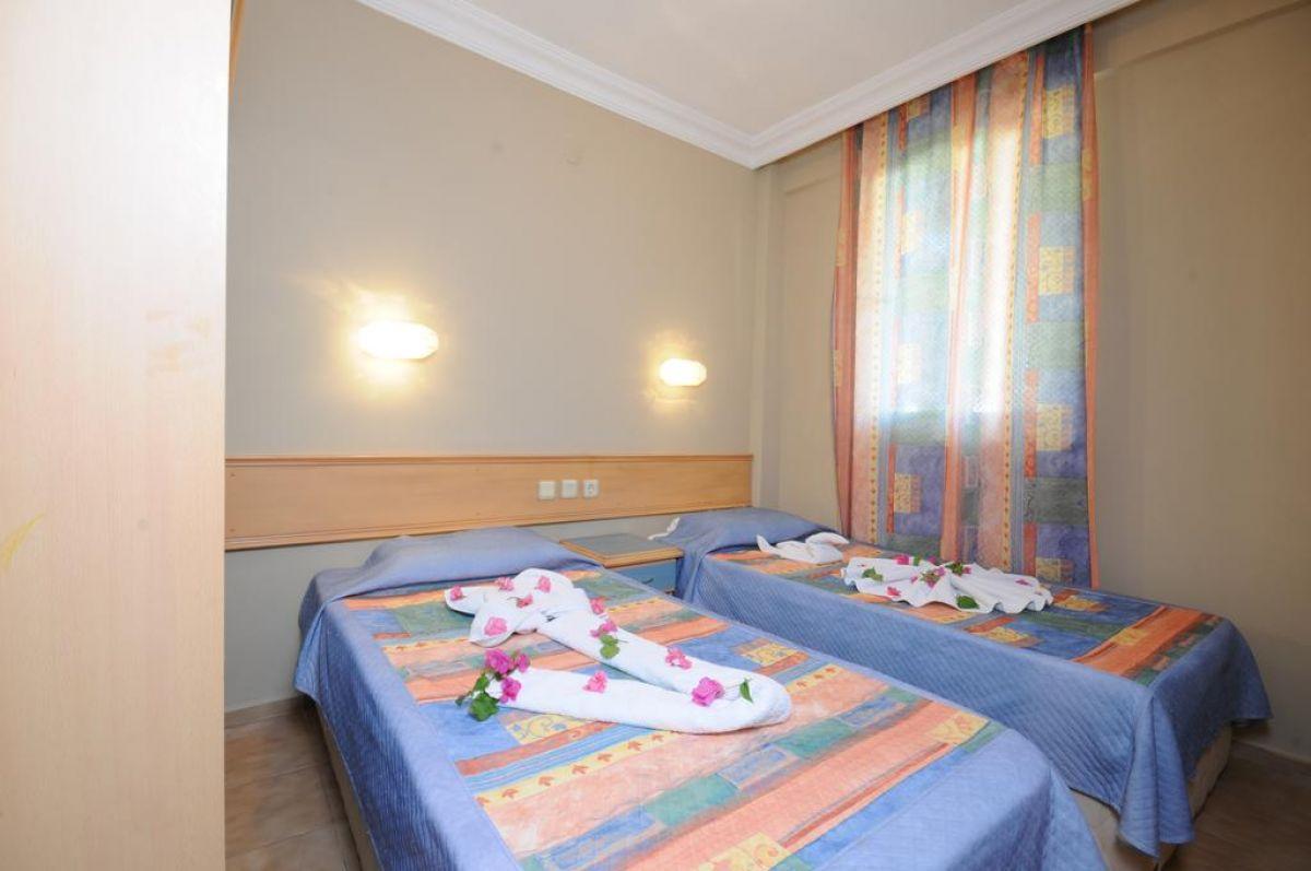 SELEN HOTEL ICMELER