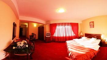 PREMIER HOTEL