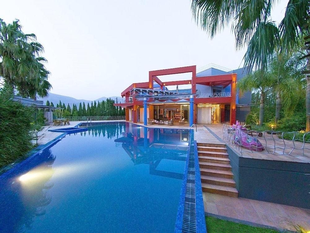 Villa With 4 Bedrooms In Eretria, With Wonderful Sea View, Private Pool, Enclosed Garden - 100 M Fro