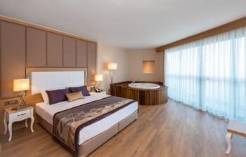 SIRIUS DELUXE HOTEL