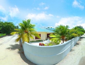 Maclura Residence Guest House