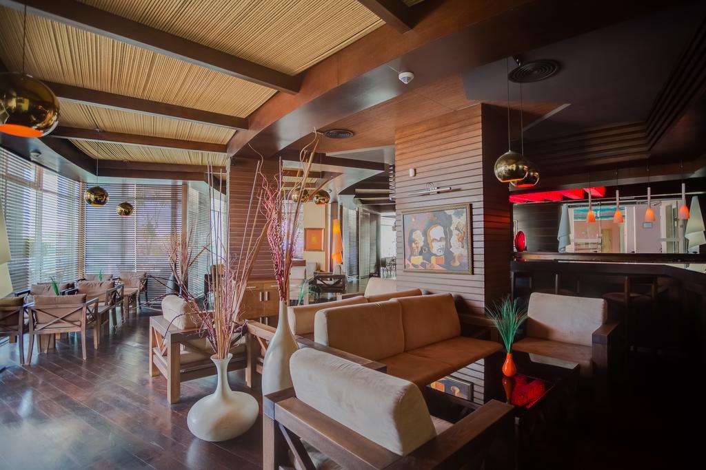 EFFECT GRAND VICTORIA HOTEL