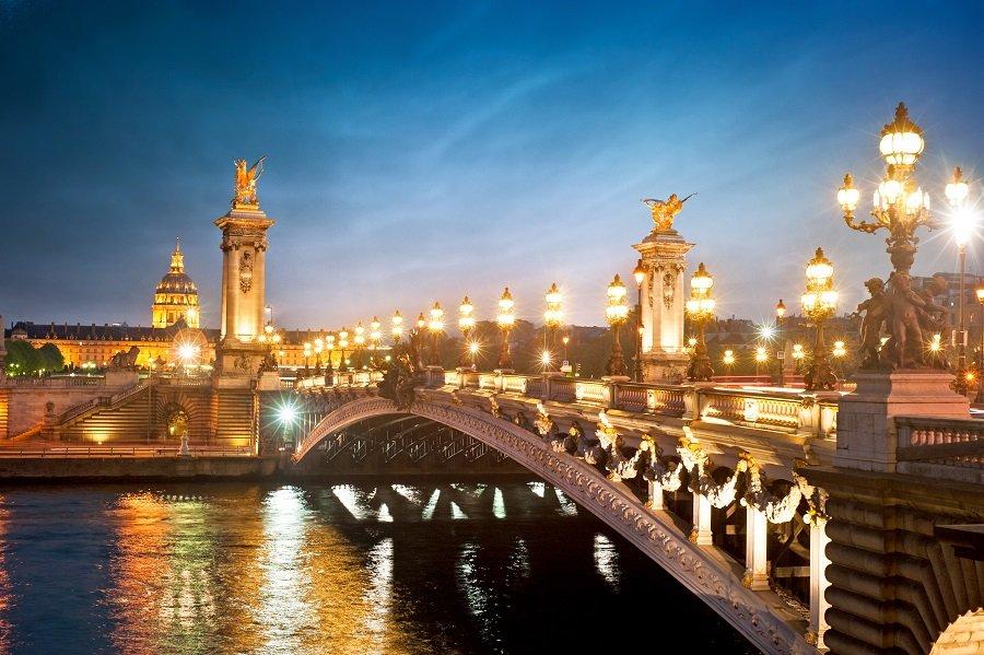 LONDRA - PARIS 2020 - Povestea a doua orase