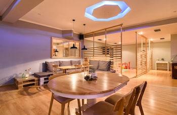 Alykes View Studios & Apartments