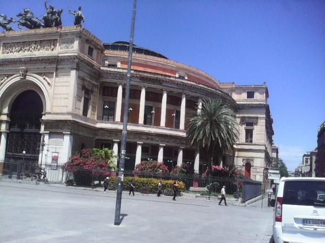 Stare Al Centro