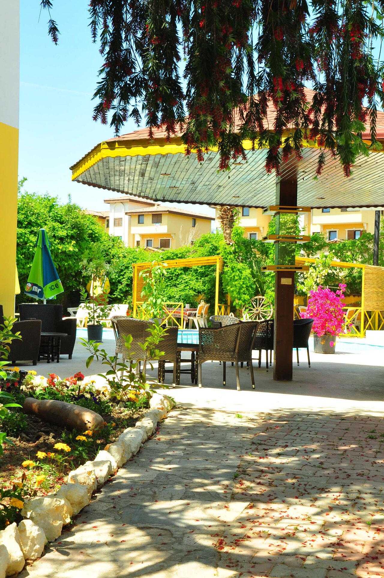 Almila Side Suit Hotel