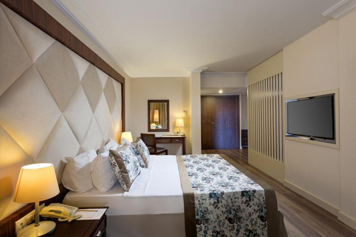 SEVEN SEAS HOTEL LÝFE( EX.OTIUM HOTEL LIFE)