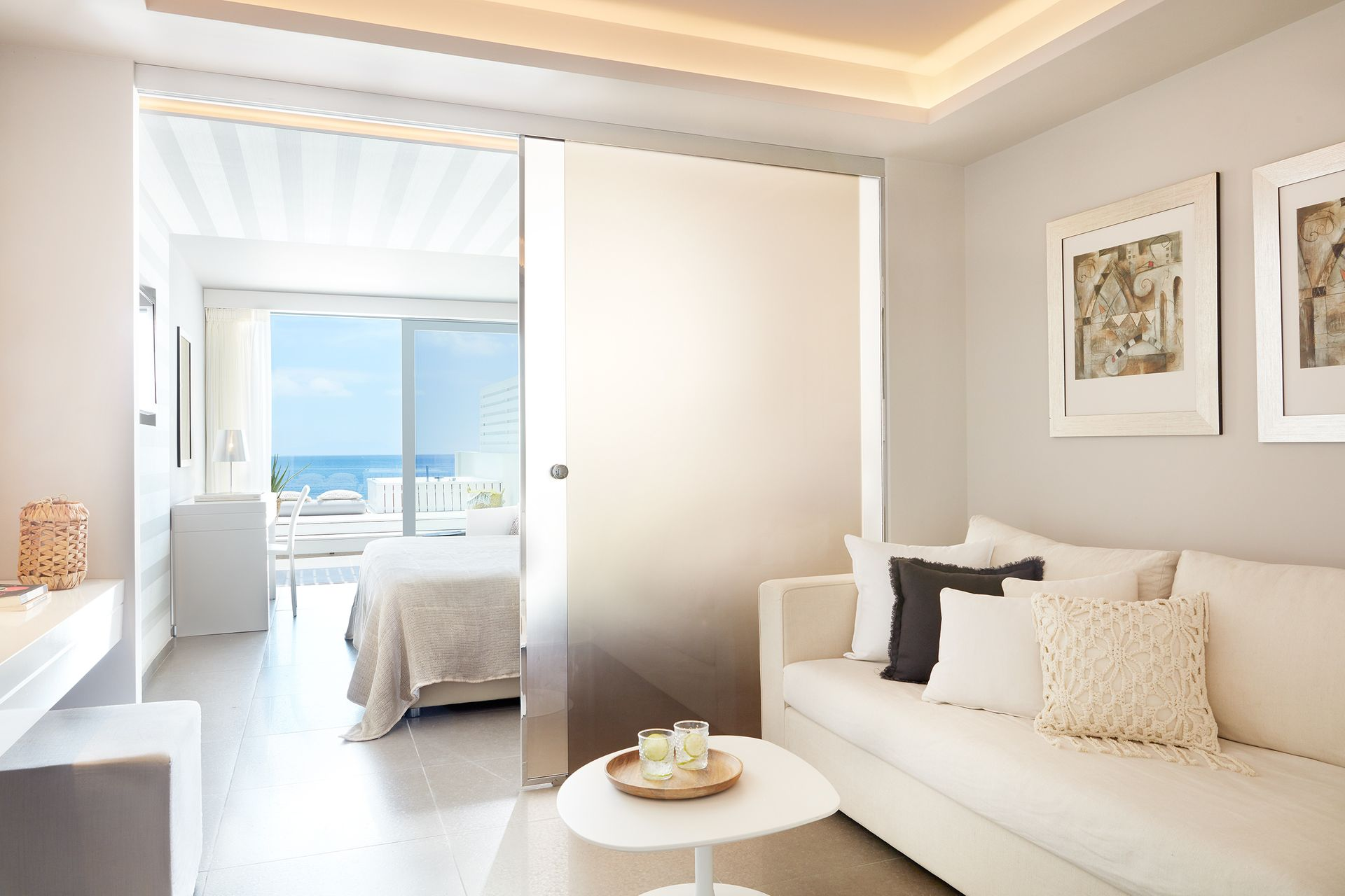 Lichnos Beach Hotel & Suites
