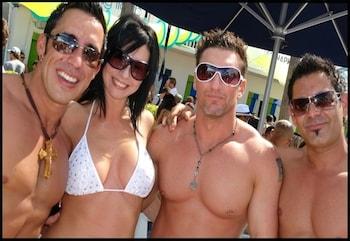 Bikini Lodge