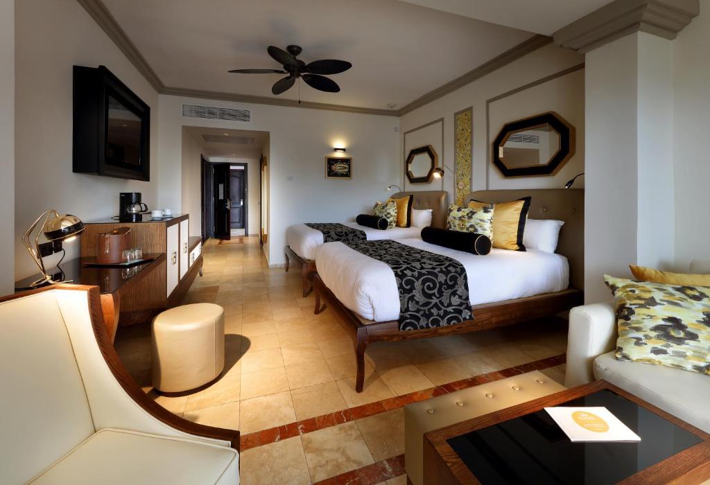Grand Palladium Lady Hamilton Resort and Spa