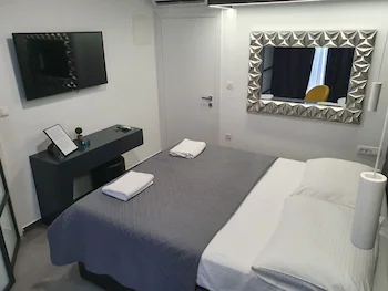 Mono Apartments And Rooms