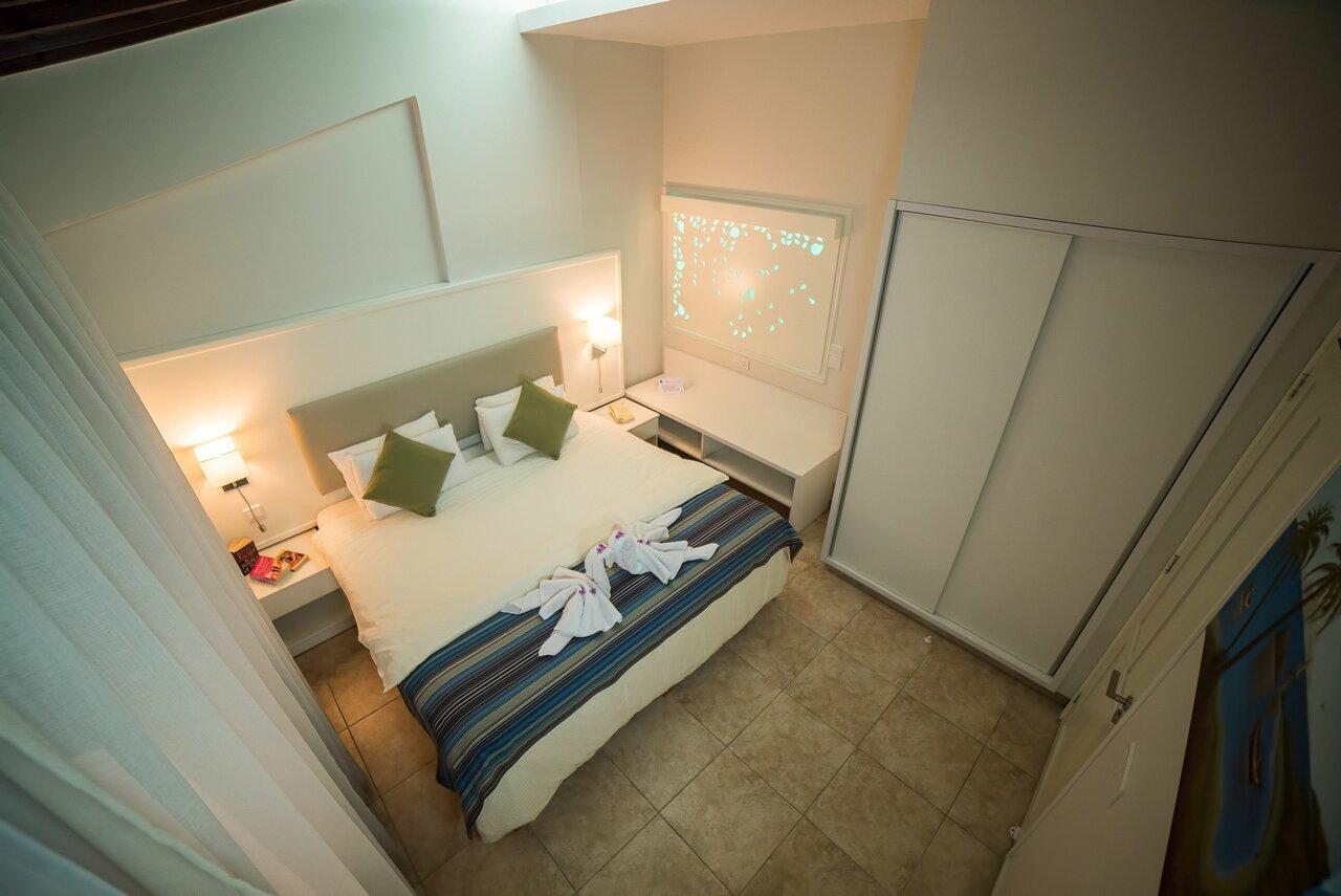 Myroandrou Beach Apartments