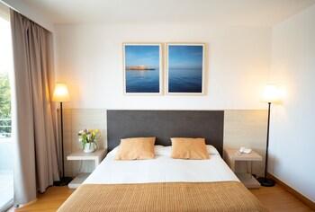 Ivory Playa Hotel