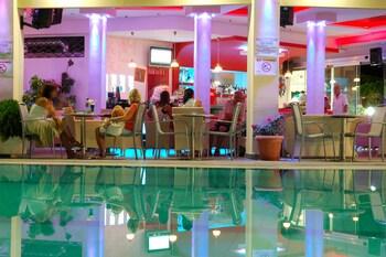 Letsos Hotel