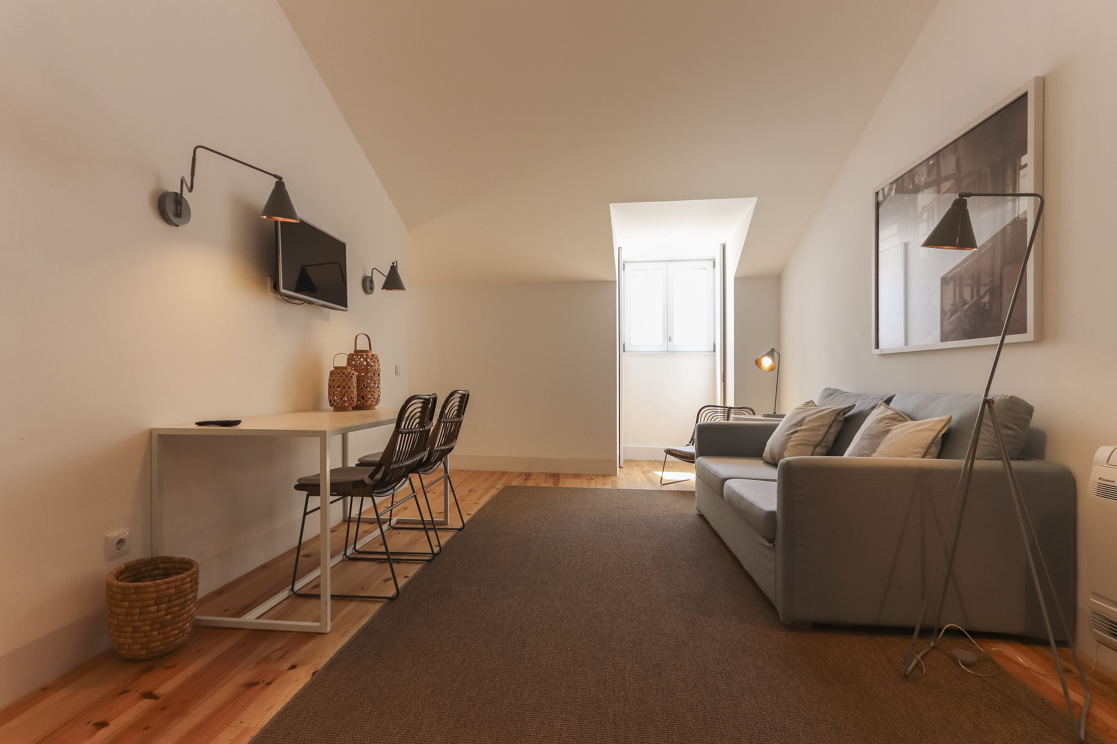 Combro Suites By Homing