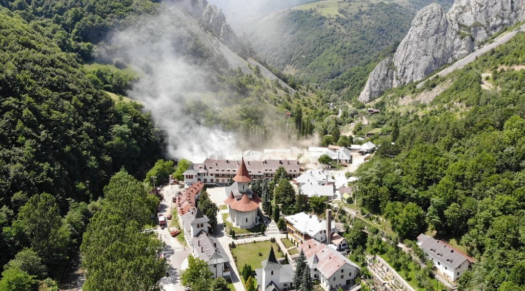 PELERINAJ 2 ZILE MANASTIRILE PATRANGENI - RAMET - DUMBRAVA