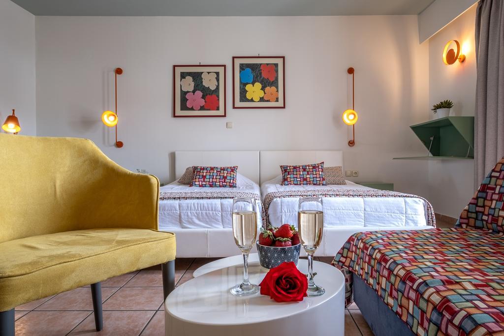 Flisvos Royal Hotel