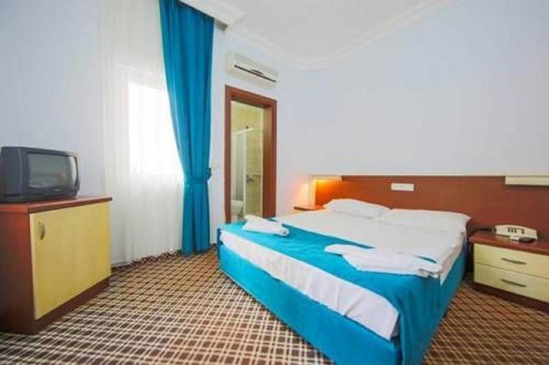Monna Roza Beach Hotel