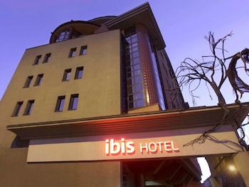 Ibis Heroes Square