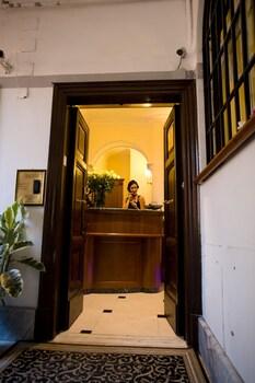 Esedra Inn
