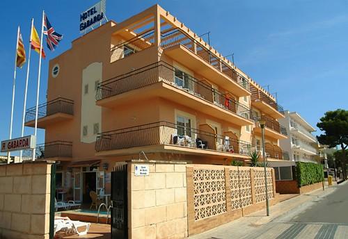 Hotel Gabarda / Gil