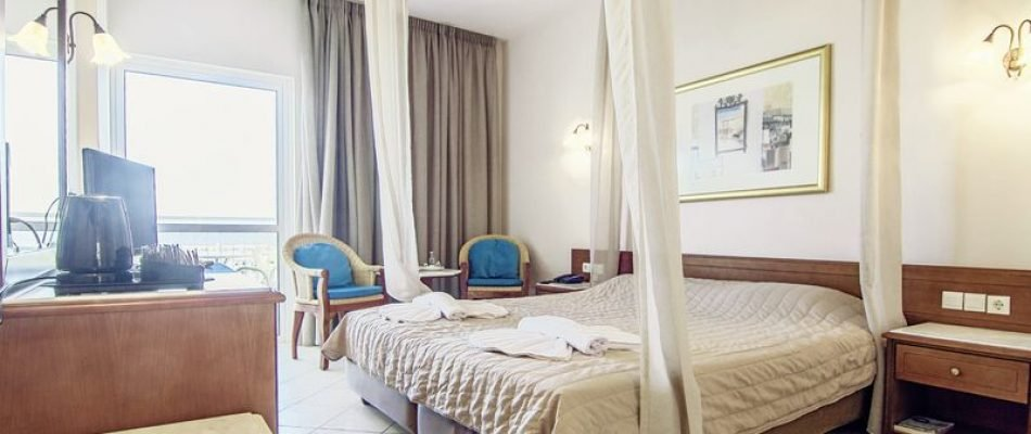 Cooee Lavris Hotel and Spa