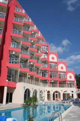 Rose Garden Omax Hotel